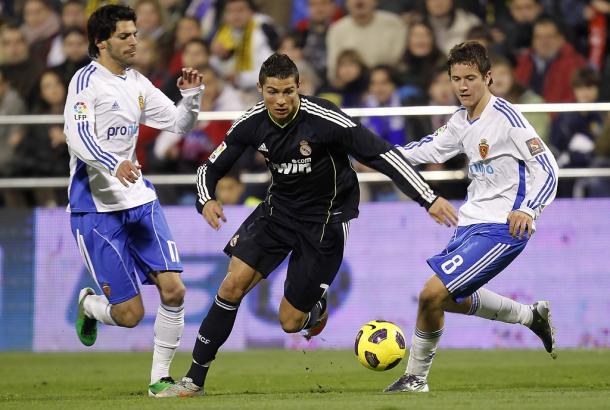 Lafita, Cristiano Ronaldo y Ander Herrera pugnan por un balón | Foto: Zimbio