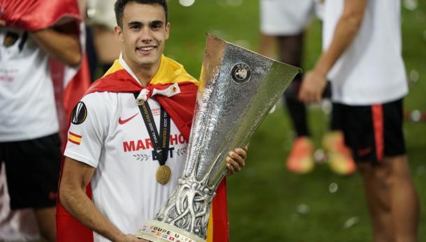 Ganó en el F.C Sevilla el título de Europa League | Foto: FC Sevilla