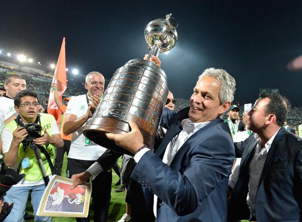 Reinaldo Rueda le apostó todo a la Libertadores y salió ganador. | Foto: Futbolete