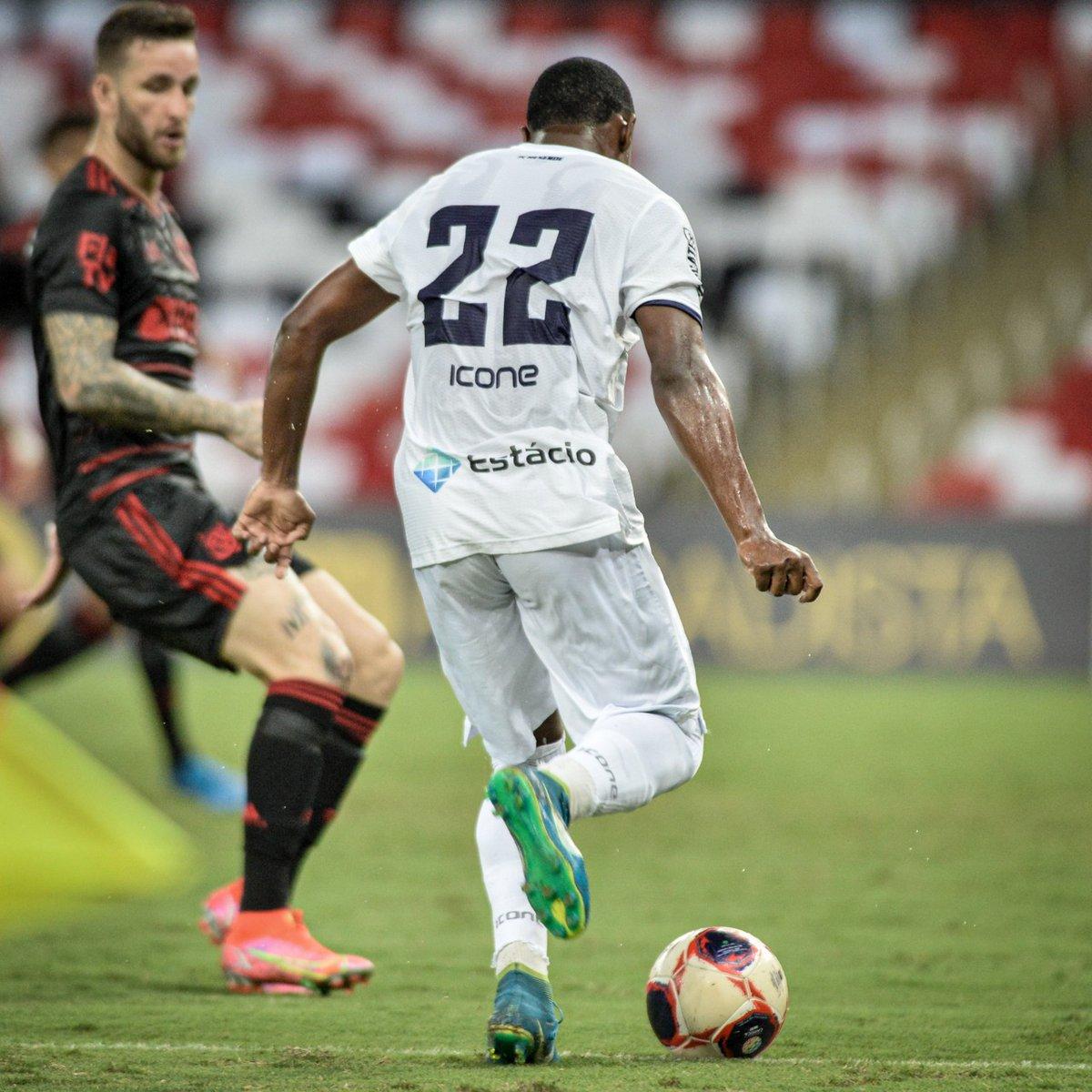 Igor Bolt em ação contra Flamengo (foto: reprodução redes sociais)