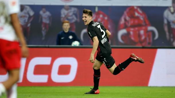 Retsos fez seu primeiro gol com a camisa do Leverkusen (Foto: Reprodução/Bayer 04 Leverkusen)