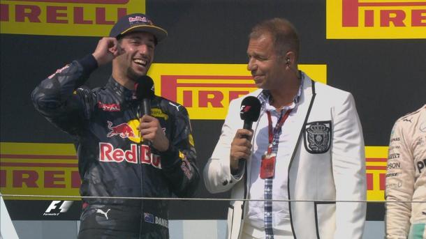 Ricciardo demonstrando toda a sua felicidade com o terceiro lugar (Foto: Divulgação/F1)