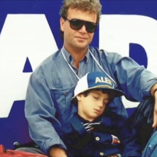 Daniel Ricciardo con su padre en el GP de Adelaide / Fuente: @danielricciardo