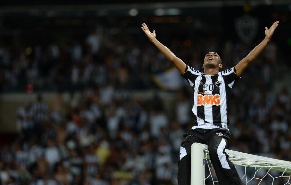 Richarlyson comemora título da Libertadores, em 2013, pelo Atlético-MG (Foto: Douglas Magno/AFP)