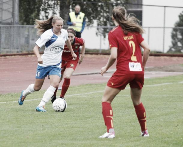 Dribbling on. | Source: kvinnefotballmagasinet.no