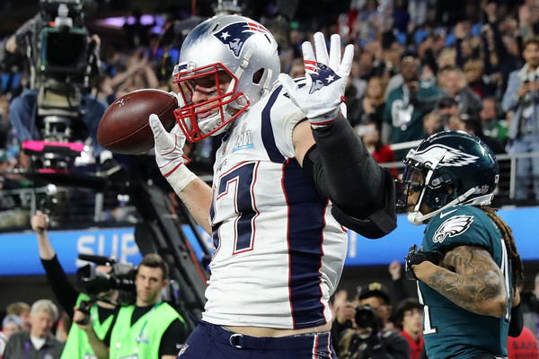 Gronkowski caught eight of his nine passes in the second half and his second touchdown of the game gave the Patriots a short-lived lead/Photo: Elsa/Getty Images