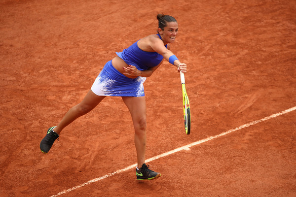 Roberta Vinci serves at the 2017 French Open, but lost to Monica Puig in the opening round | Photo: Clive Brunskill/Getty Images Europe