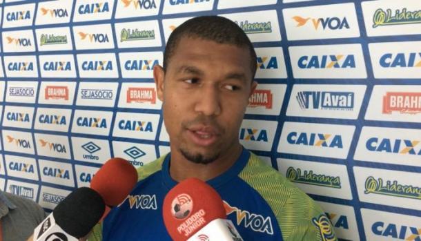 Rodrigão volta a ser titular no Avaí após um mês se recuperando de lesão (Foto: Divulgação/Avaí FC)