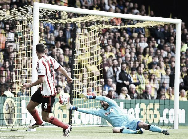 Above: Jack Rodwell taps home the opening goal in Sunderland's 2-2 draw with Watford | Photo: AFP / Getty Images