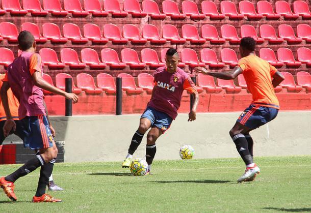 Atacante Rogério deve fazer sua estreia com a camisa do Leão (Foto: Williams Aguiar/Sport)