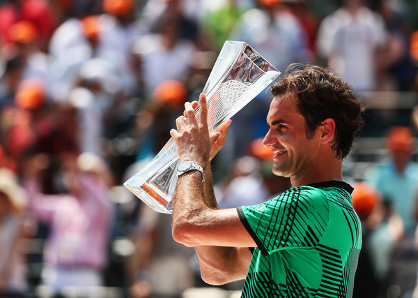 Roger Federer with his third title of the season in Miami (Photo: Al Bello/Getty Images North America)