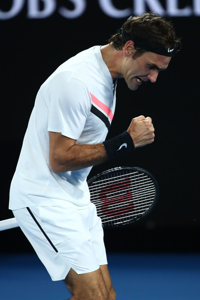 Chum jetze: Roger Federer celebrates after winning a point against Marin Cilic during the final of the 2018 Australian Open. | Photo: Mark Kolbe/Getty Images