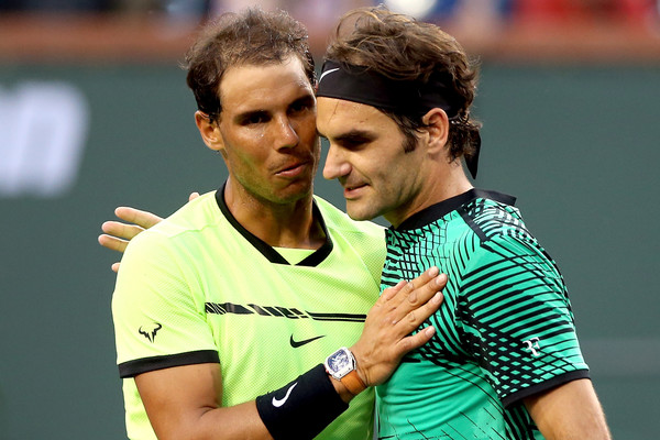 Rafael Nadal congratulates Roger Federer after their meeting in the fourth round of the 2017 BNP Paribas Open. | Photo: Matthew Stockman/Getty Images