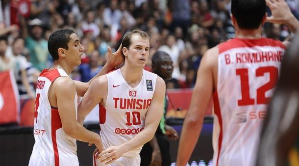 Michael Roll en un partido con Túnez | Foto: FIBA