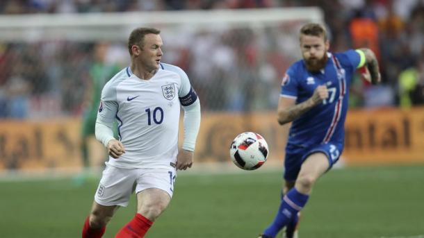 Rooney ante Islandia en lo que pudo ser su última Eurocopa. Cortesía de www.lavanguardia.com