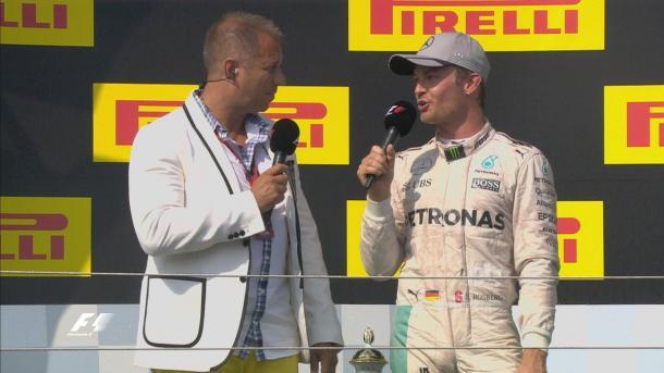 Rosberg no pódio após chegar em segundo e perder a ponta do campeonato (Foto: Divulgação/F1)
