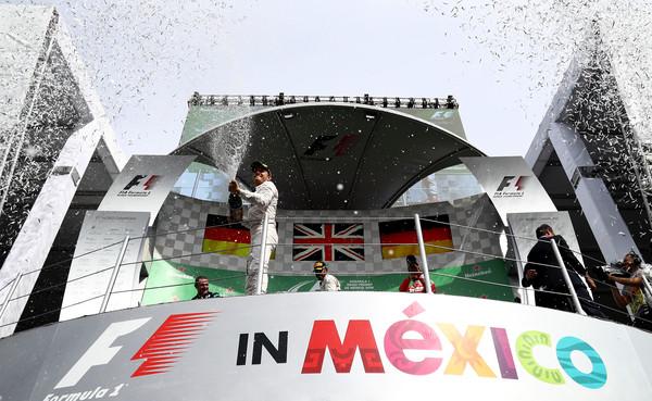 Rosberg foi o segundo e agora tem 19 pontos de vantagem na liderança (Foto: Lars Baron/Getty Images)