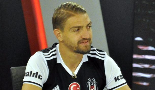 Erkin sits at his unveiling as a Besiktas player | Photo: bjk.org