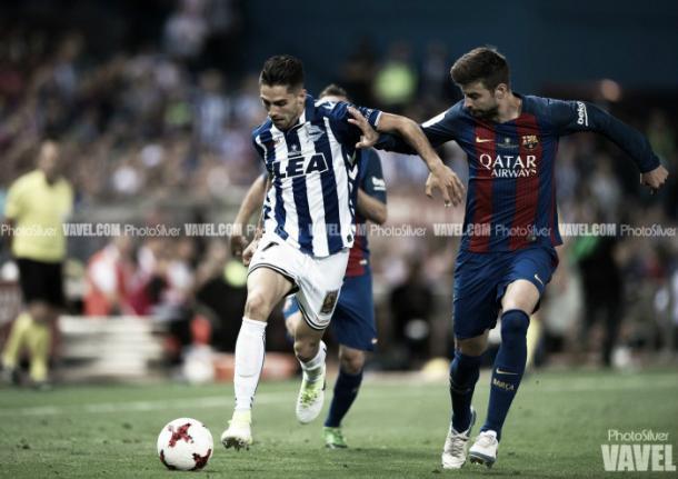 El delantero manchego del Alavés, Rubén Sobrino. | Foto: PhotoSilver (VAVEL)