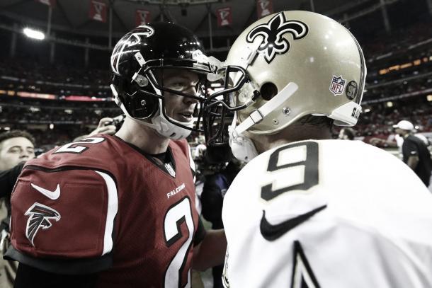 Matt Ryan y Drew Brees juntos. La protección al QB de Falcons fue el objetivo principal de este draft (Imagen: Falcons.com)