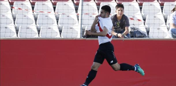 El juvenil Alonso Lara, celebrando el gol de la victoria ante el Nàstic de Tarragona en Nervión. | Imagen: Sevilla Atlético y Cantera del Sevilla Fútbol Club.