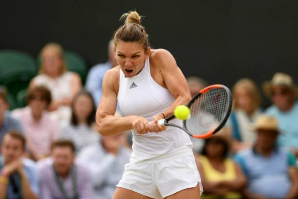 Simona Halep in action during her straight sets win over Victoria Azarenka (Getty/Shaun Botterill)