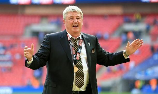 Bruce celebrates Hull's promotion. | Image credit: Nigel French/PA