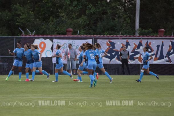 Sky Blue celebrating a Sam Kerr goal l Photo: Jenny Chuang/ VAVEL USA