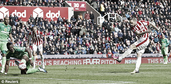 Above: Marko Arnautovic fires home in Sunderland AFC's 1-0 defeat to Stoke City