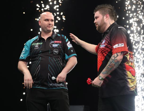 Rob Cross beat Michael Smith 7-5 in the match of the evening in Sheffield. (picture: PDC)
