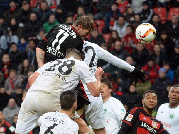 Kiessling heads home the game's opening goal. | Image credit: kicker.