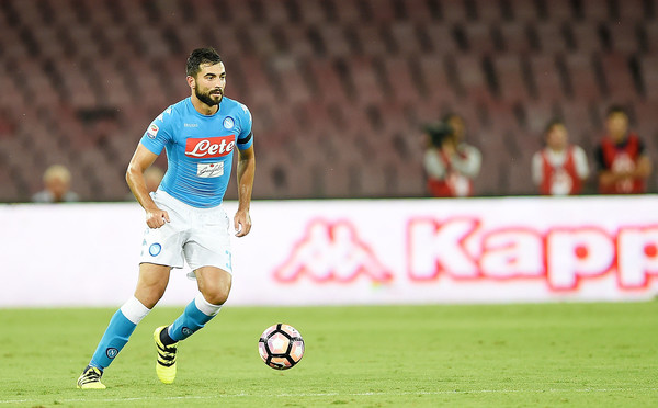 Albiol in action in the 4-2 victory over Milan | Photo: zimbio.com