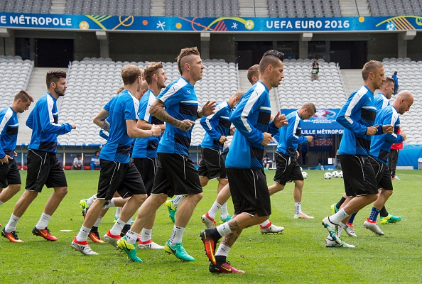 Slovakia train in Lille ahead of their crunch clash with Russia. | Image credit: JOE KLAMAR/AFP/Getty Images
