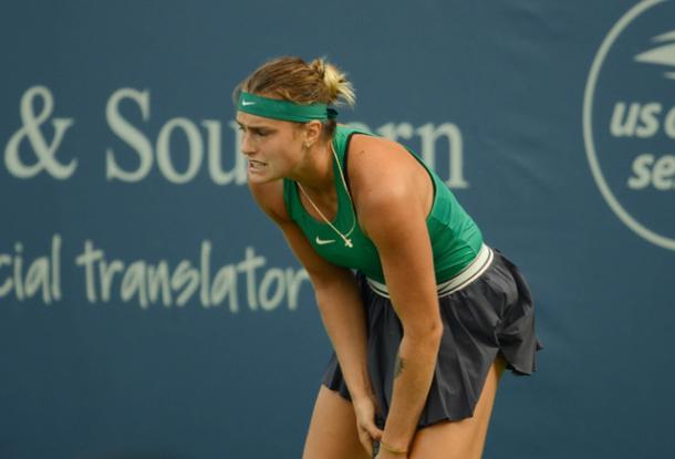Aryna Sabalenka reacts to losing a point during the tough loss. Photo: Noel Alberto/VAVEL USA