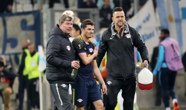 A lesão foi no jogo contra o Olympique de Marseille, pela Europa League (Foto: Reprodução/RB Leipzig)