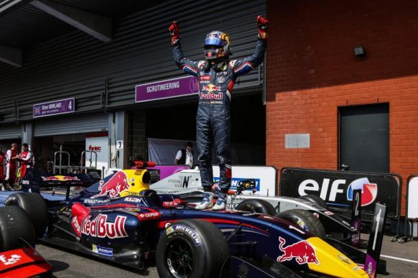 Sainz venceu a Fórmula Renault 3.5 em 2014 (Foto: Sebastiaan Rozendaal/Dutch Photo Agency/LAT Photographic)