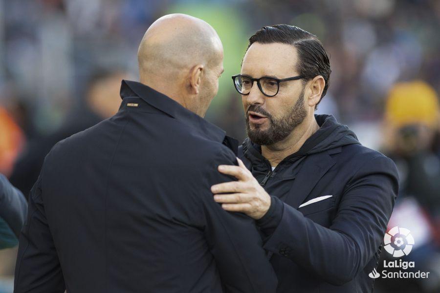 Saludo entre Bordalás y Zidane // Fuente: LaLiga