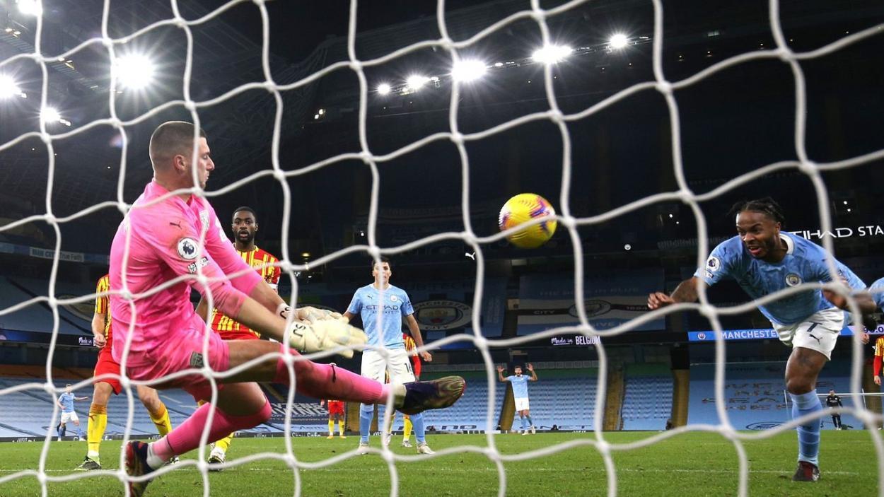 Fantástica actuación de Sam Johnstone en el Etihad. Foto: Premier League