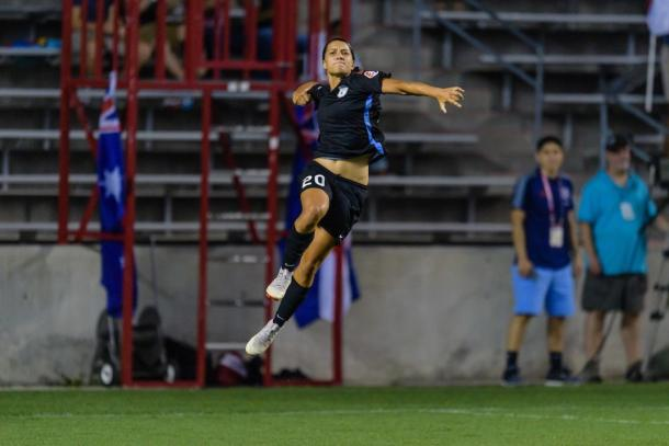 Sam Kerr's early season form is crucial to a good start to the season for Chicago (photo via chicagoredstars.com)