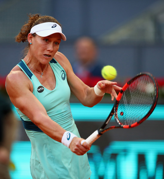 Samantha Stosur in Mutua Madrid Open action. Photo: Clive Brunskill/Getty Images