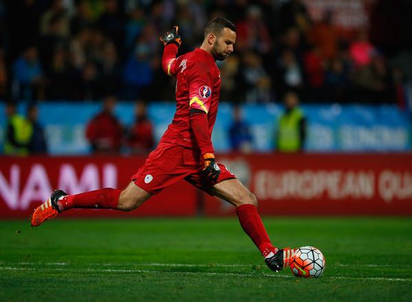Handanovic con la maglia della Slovenia. Fonte: Getty Images.