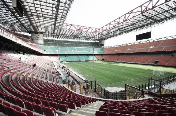 El Estadio San Siro, visto desde una de sus curvas   Fotografía: www.sempreinter.com
