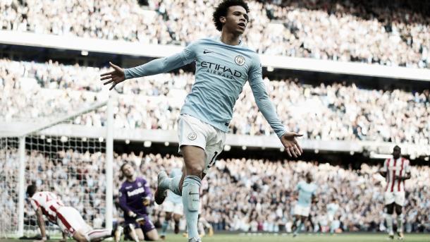 Sané festeja su gol en la goleada del City 7-1 frente al Stoke. Foto: Premier League.