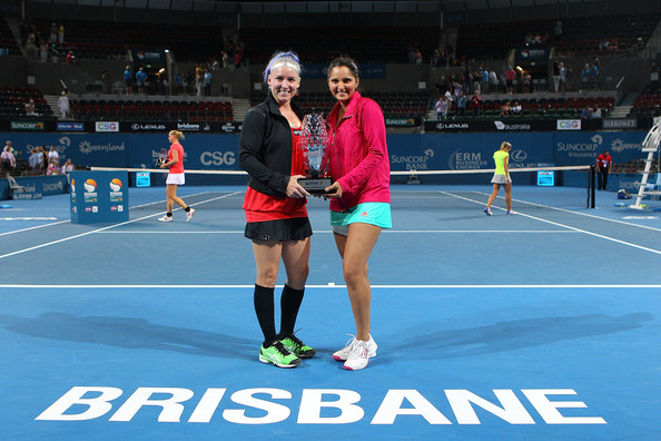 Mirza and Mattek-Sands pose along with their title here at Brisbane in 2013 | Photo: Matt Roberts/Getty Images AsiaPac