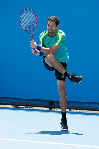Santiago Giraldo in 2016 Australian Open action. Photo: Darrian Traynor/Getty Images