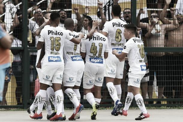 Jogadores do Santos comemorando o gol da equipe (Foto: Ivan Storti/Santos FC)