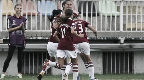 Sarajevo celebrates Armisa Kuć's goal against Rigas. Photo: Fedja Krvavac/UWCL