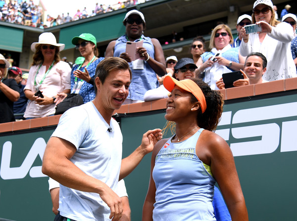 Naomi Osaka celebrates her victory in the final of the 2018 BNP Paribas Open with her coach Sascha Bajin. | Photo: Harry How/Getty Images