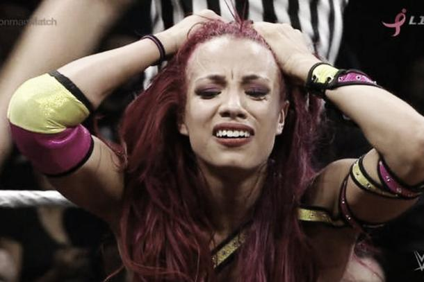 Sasha Banks suffered a concussion during a house show (image: cagesideseats.com