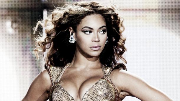 Sasha Banks claims she is the Beyonce of WWE (image: etonline.com)